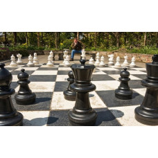 Chess pieces outdoors in plastic Gigant
